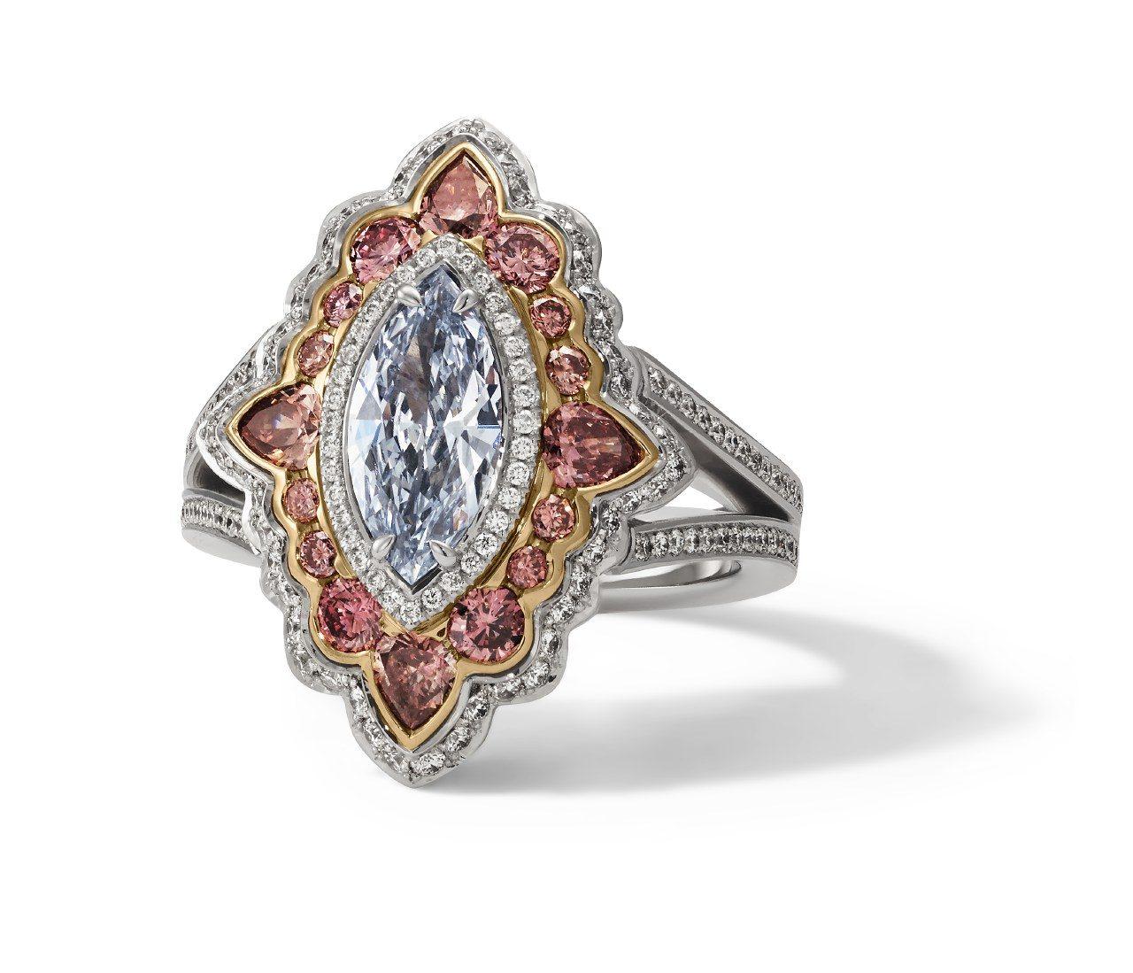 04. H. D. Krieger - Ring, Diamanten Fancy Light Blue + Pink02017-0050_rgb