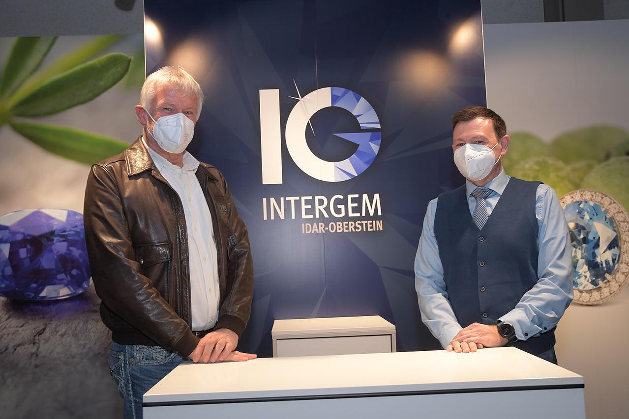 Vorsitzender Messeverein Dr. Konrad Henn (links) und neuer Geschäftsführer Intergem Messe GmbH Mirko Arend (rechts) - Foto © Manfred Greber